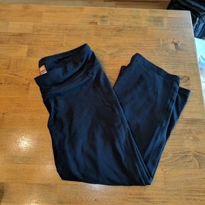 Lucy Black Flared Capris